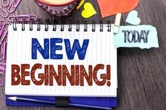 Texte d'écriture écrivant à nouveau début l'appel de motivation La vie changeante de croissance de forme de nouveau début de sign Images stock