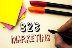 Texte d'écriture écrivant le marketing de B2B Concept signifiant le commerce d'entreprise à entreprise de transactions commercial Image libre de droits