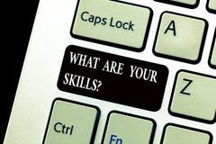 Texte d'écriture de Word ce qui sont votre Skillsquestion Le concept d'affaires pour nous indiquent votre expérience de la connai photographie stock