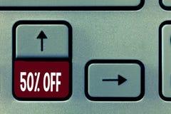 Texte 50 d'écriture de Word  Concept d'affaires pour la remise de cinquante pour cent au-dessus du dégagement de vente de promoti images stock