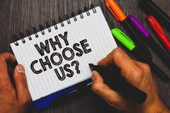 Texte d'écriture de Word pourquoi choisissez-nous question Le concept d'affaires pour des raisons de choisir notre marque au-dess images stock