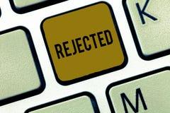 Texte d'écriture de Word rejeté Le concept d'affaires pour écartent en tant qu'ordures inacceptables ou défectueuses insuffisante images libres de droits