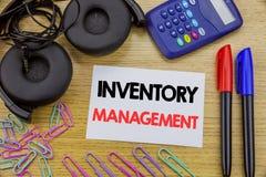 Texte d'écriture montrant la gestion des stocks Concept d'affaires pour l'approvisionnement courant écrit sur le papier de note c photo stock