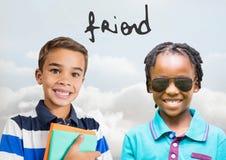 Texte d'ami avec les enfants heureux avec le fond vide Photo stock