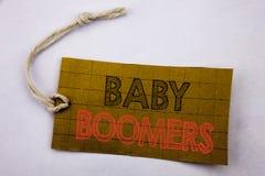 Texte d'annonce d'écriture montrant des baby boomers Concept d'affaires pour la génération démographique de vente en ligne écrite Image libre de droits