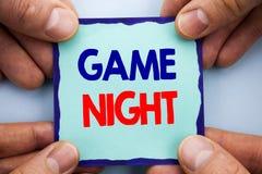 Texte d'annonce d'écriture montrant la nuit de jeu Événement de présentation de temps de jeu d'amusement de divertissement de pho Image libre de droits
