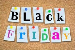 Texte de concept de ventes de Black Friday sur le tableau noir Image stock