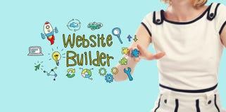 Texte de constructeur de site Web avec la jeune femme photographie stock