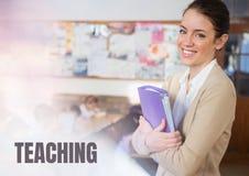 Texte de enseignement et maître d'école élémentaire avec la classe Image libre de droits