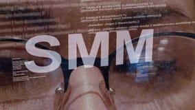 Texte de SMM sur le programmateur de logiciel femelle banque de vidéos