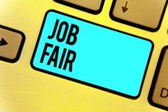Texte Job Fair d'écriture Concept signifiant un événement où une personne peut faire acte de candidature pour un travail dans la  illustration de vecteur