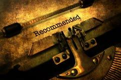 Texte recommandé sur le concept grunge de machine à écrire photo libre de droits