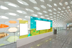 Textes d'attente de la publicité à l'aéroport Image libre de droits