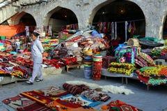 Textielwinkel in Doha souq stock fotografie