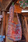 Textielzak met Slavisch nationaal ontwerp voor verkoop bij de markt Stock Afbeelding