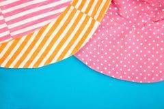 Textil, tyg, rosa prick för torkduk och orange som göras randig fotografering för bildbyråer