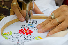 Textilbroderimaskin Royaltyfri Fotografi