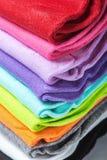 Textilbunter Sockenhintergrund Stockbilder