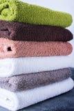 Textile coloré de serviettes de bain de Terry de coton de pile Images libres de droits