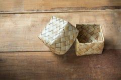 Textile en feuille de palmier de Kratip, récipient de riz collant Image libre de droits