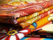 Textiles colorés Photographie stock libre de droits