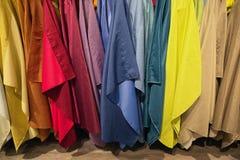 Textilhintergründe von verschiedenen Farben und von Tönungen Lizenzfreies Stockbild