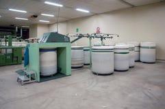Textilindustrie - kardierende Abteilung Lizenzfreies Stockfoto