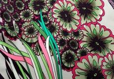 Textilmuster mit Blumenverzierung Stockbilder