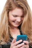 Texting Frau Lizenzfreies Stockbild