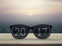 texto 2017 con los vidrios del ojo Foto de archivo libre de regalías