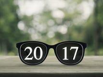 texto 2017 con los vidrios del ojo Imágenes de archivo libres de regalías