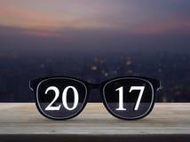 texto 2017 con los vidrios del ojo Imagen de archivo libre de regalías