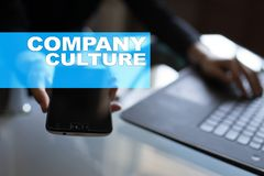Texto da cultura de empresa na tela virtual Conceito do negócio, da tecnologia e do Internet fotos de stock