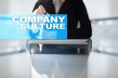 Texto da cultura de empresa na tela virtual Conceito do negócio, da tecnologia e do Internet foto de stock