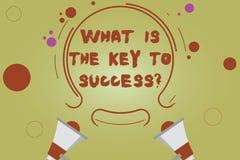 Texto da escrita da palavra o que é a chave ao sucesso Conceito do negócio para que os conselhos realizem a experiência dois do n ilustração stock
