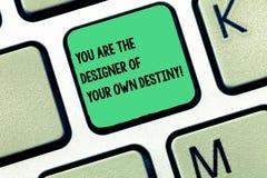 Texto da escrita da palavra você é o destino de Of Your Own do desenhista O conceito do negócio para a vida do abraço faz a chave foto de stock royalty free