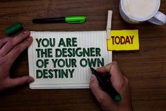 Texto da escrita da palavra você é o destino de Of Your Own do desenhista O conceito do negócio para a vida do abraço faz mudança foto de stock