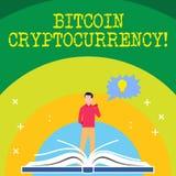 Texto da escrita que escreve Bitcoin Cryptocurrency A moeda digital do pagamento do significado do conceito utiliza o homem dos c ilustração royalty free