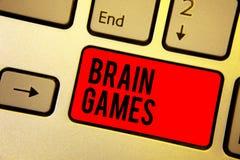 Texto da escrita que escreve Brain Games Conceito que significa a tática psicológica manipular ou intimidar com vermelho oponente fotografia de stock royalty free