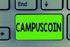 Texto da escrita que escreve Campuscoin O significado do conceito descentralizou o cryptocurrency a ser usado por estudantes univ imagens de stock royalty free