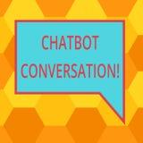 Texto da escrita que escreve a conversação de Chatbot Significado do conceito que conversa com placa assistente virtual da inteli ilustração stock