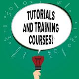 Texto da escrita que escreve cursos e cursos de formação Significado do conceito que aprende o comparecimento de escola de treina ilustração stock