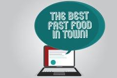 Texto da escrita que escreve o melhor fast food na cidade Hamburgueres saborosos e fritadas dos pratos da sucata do significado d ilustração royalty free