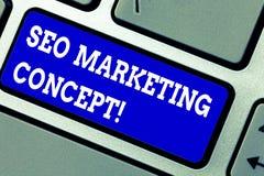 Texto da escrita que escreve Seo Marketing Concept Conceito que significa a estratégia que executa para satisfazer clientes para  imagem de stock