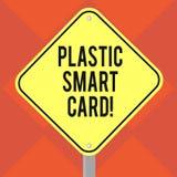 Texto da escrita que escreve Smart Card plástico Conceito que significa o símbolo da segurança que encaixou a placa inteligente D ilustração do vetor