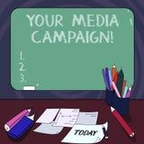 Texto da escrita sua campanha dos meios Esforço de mercado do significado do conceito para reforçar a assistência com o objetivo  ilustração do vetor