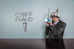 Texto da fraude do Cyber com homem de negócios do vintage imagem de stock
