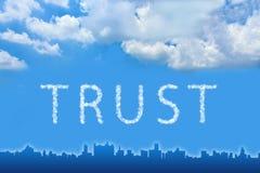 Texto de la confianza en la nube Imagen de archivo libre de regalías