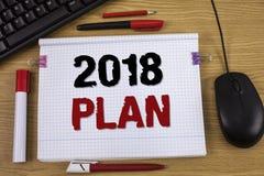 Texto de la escritura que escribe el plan 2018 Concepto que significa las metas desafiadoras de las ideas para que motivación del Foto de archivo libre de regalías