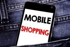 Texto de la escritura que muestra compras móviles Concepto del negocio para el teléfono celular móvil escrito orden en línea del  imagenes de archivo